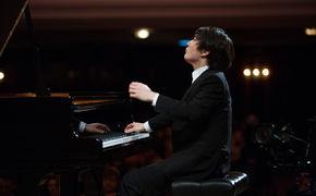 Seong-Jin Cho, Hören & Sehen - Der Pianist Seong-Jin Cho im Konzert auf medici.tv