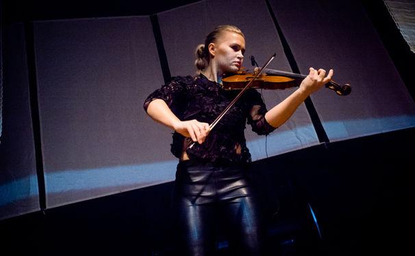 Mari Samuelsen, Erhellend - Mit dem Album Nordic Noir beleuchtet Mari Samuelsen die Musik skandinavischer Krimiserien