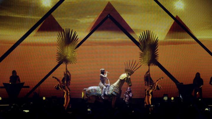 Katy Perry - Dark Horse - Live