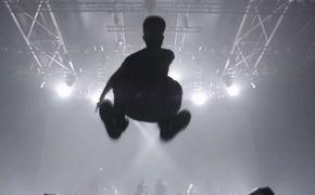 Woodkid, Woodkid meldet sich mit neuer Single samt Video Volcano zurück