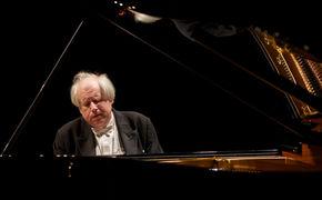 Grigory Sokolov, Er schwebt – Sokolov spielt Mozart und Rachmaninov