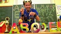 """Tom Lehel, Mit Tom Lehel das Alphabet lernen: Das neue Video """"Buchstaben-Boogie"""""""