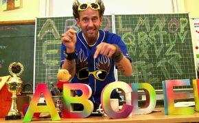 Tom Lehel, Mit Tom Lehel das Alphabet lernen: Das neue Video Buchstaben-Boogie