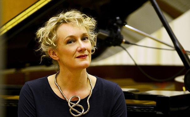 Julia Hülsmann, Ausgezeichnet - Julia Hülsmann erhält den SWR-Jazzpreis 2016