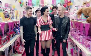 Fall Out Boy, Gemeinsam mit zwei Jungs von *NSYNC: Fall Out Boy präsentieren weiteres Video zu Irresistible feat. Demi Lovato
