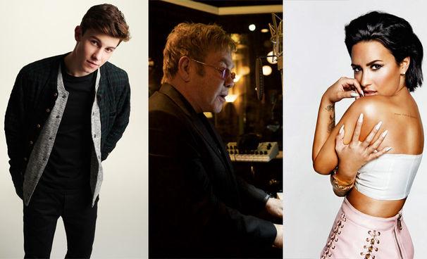 Elton John, Elton John zollt dem verstorbenen David Bowie Tribut und performt gemeinsam mit Demi Lovato und Shawn Mendes