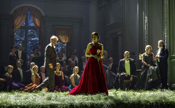 Diverse Künstler, Komische Oper Berlin feiert Neuproduktion der Tschaikowsky-Oper Jewgeni Onegin