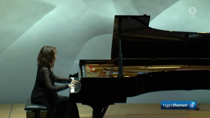 Hélène Grimaud - ein Weltstar am Flügel (tagesthemen)