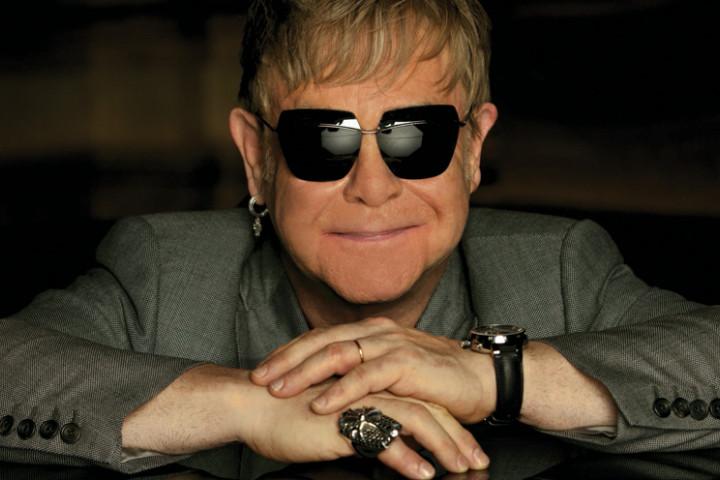 Elton John 2010 01