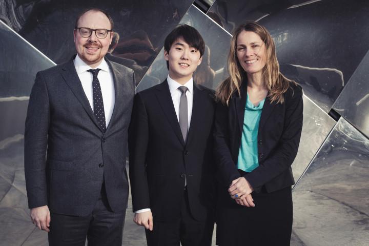 Dr. Clemens Trautmann (President DG), Seong Jin-Cho, Ute Fesquet (Vice President A&R DG)