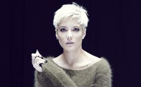 Halsey, Eine musikalische Reise in die Badlands: Halsey veröffentlicht ihr Debüt-Album inklusive der Single Ghost