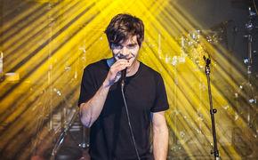 Elias Hadjeus, Elias Hadjeus auf der Bühne bei der PIL-Labelnight: Seht hier die Live-Bilder