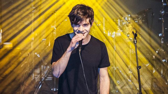 Elias, Elias auf der Bühne bei der PIL-Labelnight: Seht hier die Live-Bilder