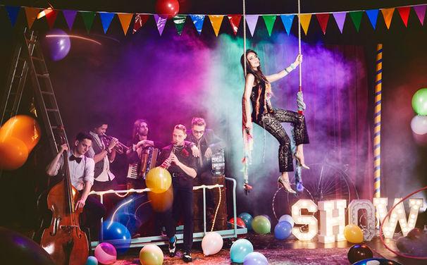 Bluma, Bluma verzaubert nun auch mit ihrem Gipsy-Pop den Circus Roncalli!