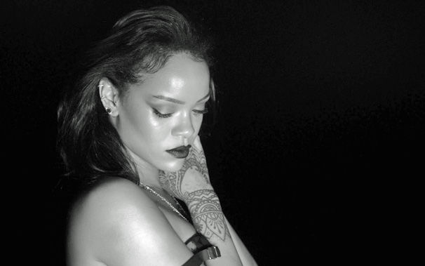 Rihanna, Das Video zu Rihannas Kiss It Better vereint Kunst und Sexyness
