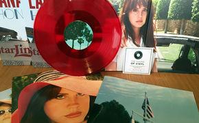Lana Del Rey, Blutrote Vinyls: Gewinnt Honeymoon Doppelalben von Lana Del Rey