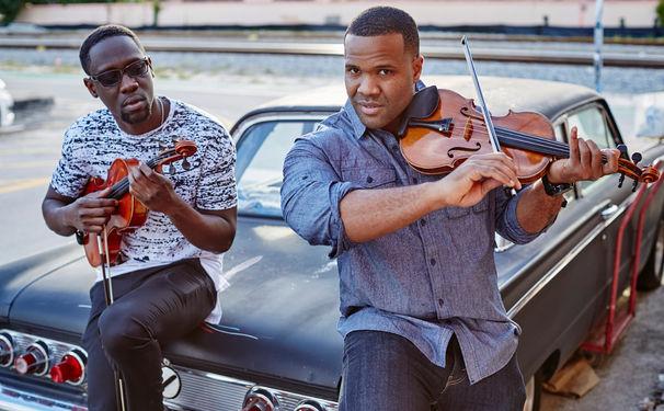 Black Violin, Groovende Geigen - Black Violin spielen live in diversen Clubs und begeistern mit einem souligen Debütalbum