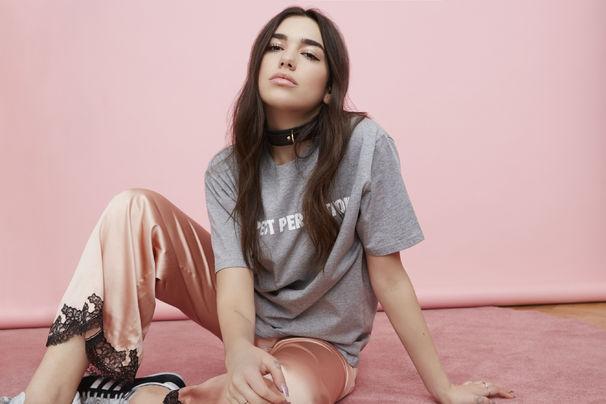 Dua Lipa, Dua Lipa ist Hotter Than Hell: Erfahrt mehr zur neuen Single