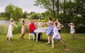Reinhard Horn, Mit Reinhard Horns Kinderliedern durchs ganze Jahr