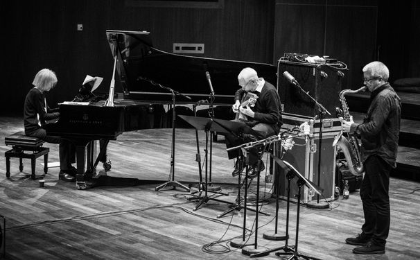 Carla Bley, Große Musik im Kleinformat - Im Trio mit Andy Sheppard und Steve Swallow spielt Carla Bley reduzierte Bigband-Musik