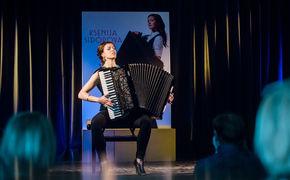 Ksenija Sidorova, Die Schöne und das Biest - Ksenija Sidorova präsentiert ihr Debüt-Album Carmen in Berlin