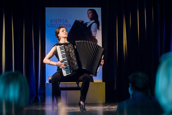 Ksenija Sidorova im Grünen Salon der Volksbühne Berlin (29.04.2016)