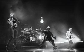 U2, Exklusive iNNOCENCE + eXPERIENCE Live in Paris-Premiere: Tickets inkl. Anreise und Hotel für U2s DVD-Screening in Paris gewinnen