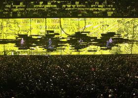 U2, Invisible (Live In Paris 2015)