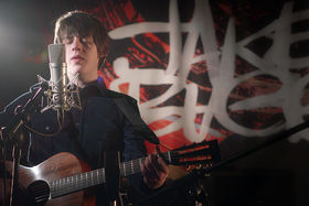 Jake Bugg, On My One (Live At Music Bank, London)