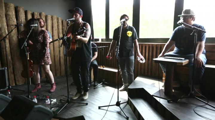 Spirits (Live bei Radio Fritz, 2016)