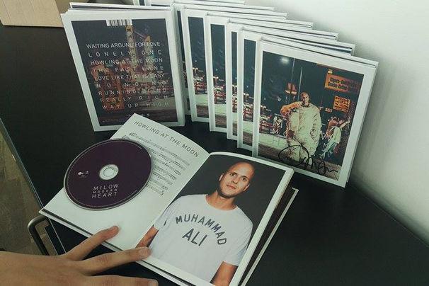 Milow, Gewinnt handsignierte Milow Modern Heart Deluxe Editionen