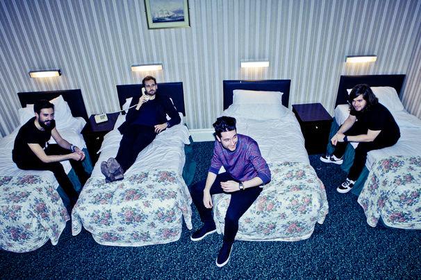 Bastille, Vom Rückgrat beweisen und von neuer Musik: BΔSTILLE zieren das aktuelle Cover des NME und sprechen über ihr kommendes Album