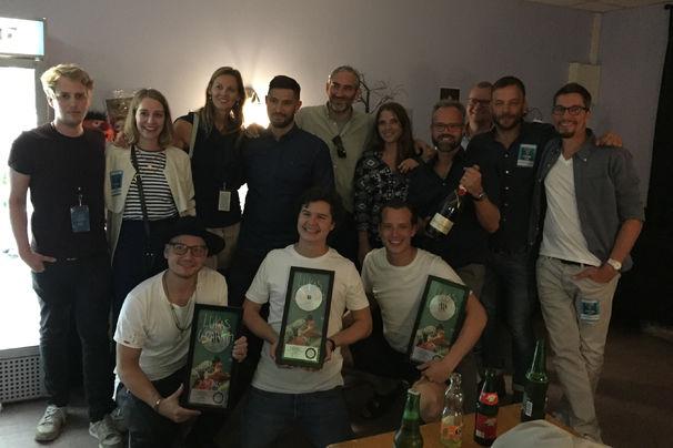 Lukas Graham, Lukas Graham freut sich über Platin für seine Single 7 Years
