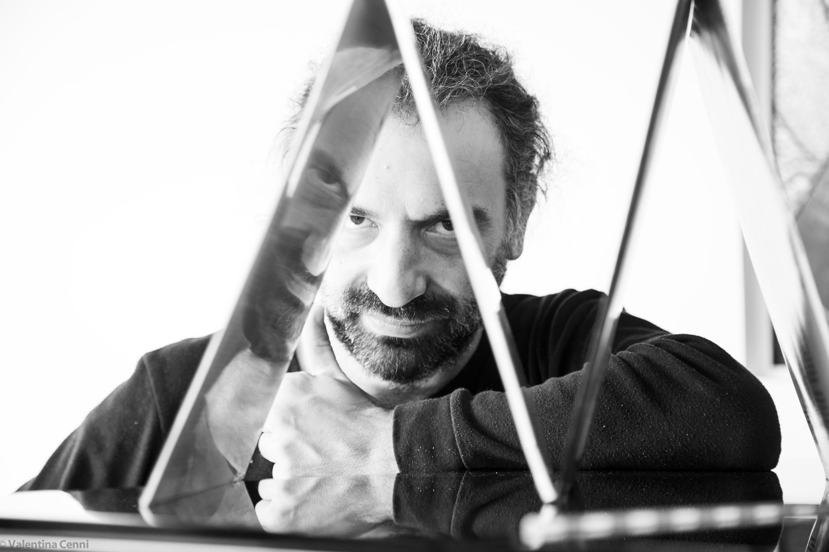 Stefano Bollani   News   Musikalischer Reiseführer - Stefano Bollani zeigt  uns Neapel