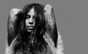 Adiam, Adiam über ihr Album Black Wedding: Erfahrt mehr über die schwedische Musikerin im Interview mit Impose