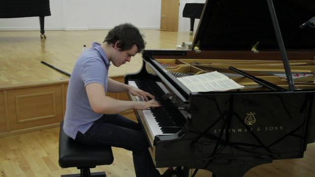 Benjamin Grosvenor, Liszt - Tarantella, S.162