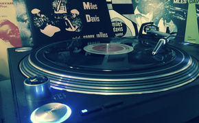 JazzEcho-Plattenteller, Entfesselter Jazzer - Miles Davis' 10-inch-Collection