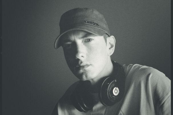 Eminem, Helping Flint Kids: Eminem wirbt auf Socials für Spenden-Kampagne, die mittellosen Schülern hilft