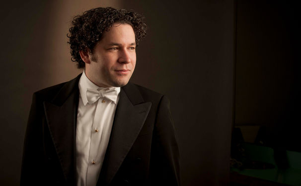 Gustavo Dudamel, Gustavo Dudamel stimmt gemeinsam mit Los Angeles Philharmonic mit Tschaikowskys Nussknacker auf Weihnachten ein