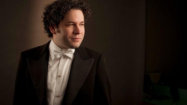 Gustavo Dudamel, Gustavo Dudamel stimmt gemeinsam mit Los Angeles Philharmonic mit Tschaikowskys Nussknacker auf Weihnachten ...