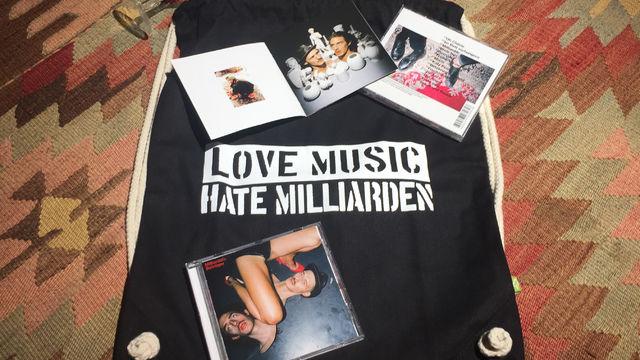 Milliarden, Wir verlosen Milliarden Merchandise zum Album Betrüger
