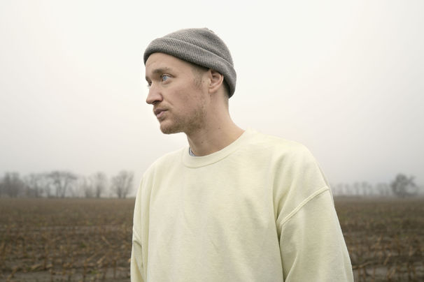 Maeckes, Maeckes kündigt sein neues Album Tilt an