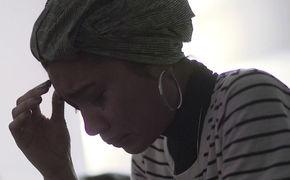 Yuna, Getrennte Wege gehen: In Lanes verarbeitet Yuna eine Trennung mit musikalischem Fingerspitzengefühl