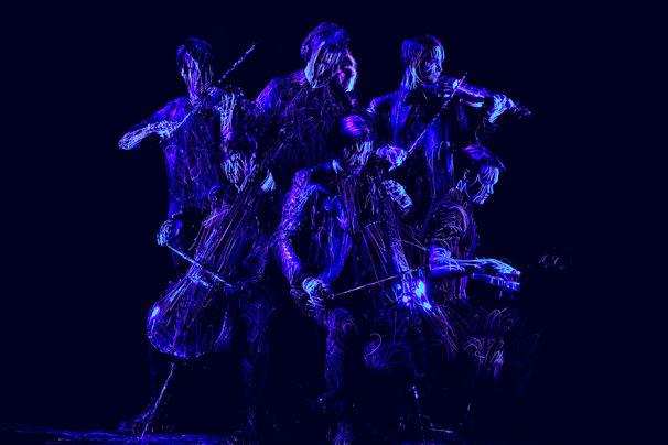 Symphoniacs, Ab jetzt erhältlich: Das Electro-Klassik-Projekt Symphoniacs präsentiert sein gleichnamiges Album