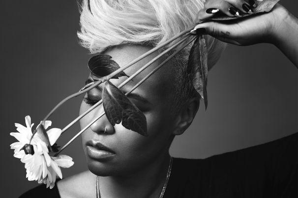 Emeli Sandé, Emeli Sandé veröffentlicht ihre neue Single Hurts und kündigt das Album Long Live The Angels an