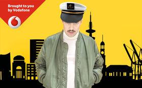 Olsson, Voll auf Dampf im Hamburger Hafen: Olsson macht Bootsparty mit euch
