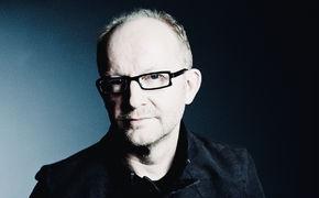 Dieter Falk, Nun freut Euch! Dieter Falk präsentiert mit A Tribute to Martin Luther traditionelle Kirchenchoräle in neuem Gewand