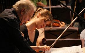 Daniel Barenboim, Gefühlsstarke Geigenkonzerte – Neues Album von Lisa Batiashvili