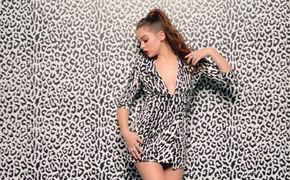 Hailee Steinfeld, Sinnlich und wunderschön: Hailee Steinfeld in ihrem Video zum Song Starving