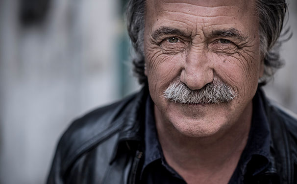 Gert Steinbäcker, Erste Infos zu  Ja eh von Steinbäcker